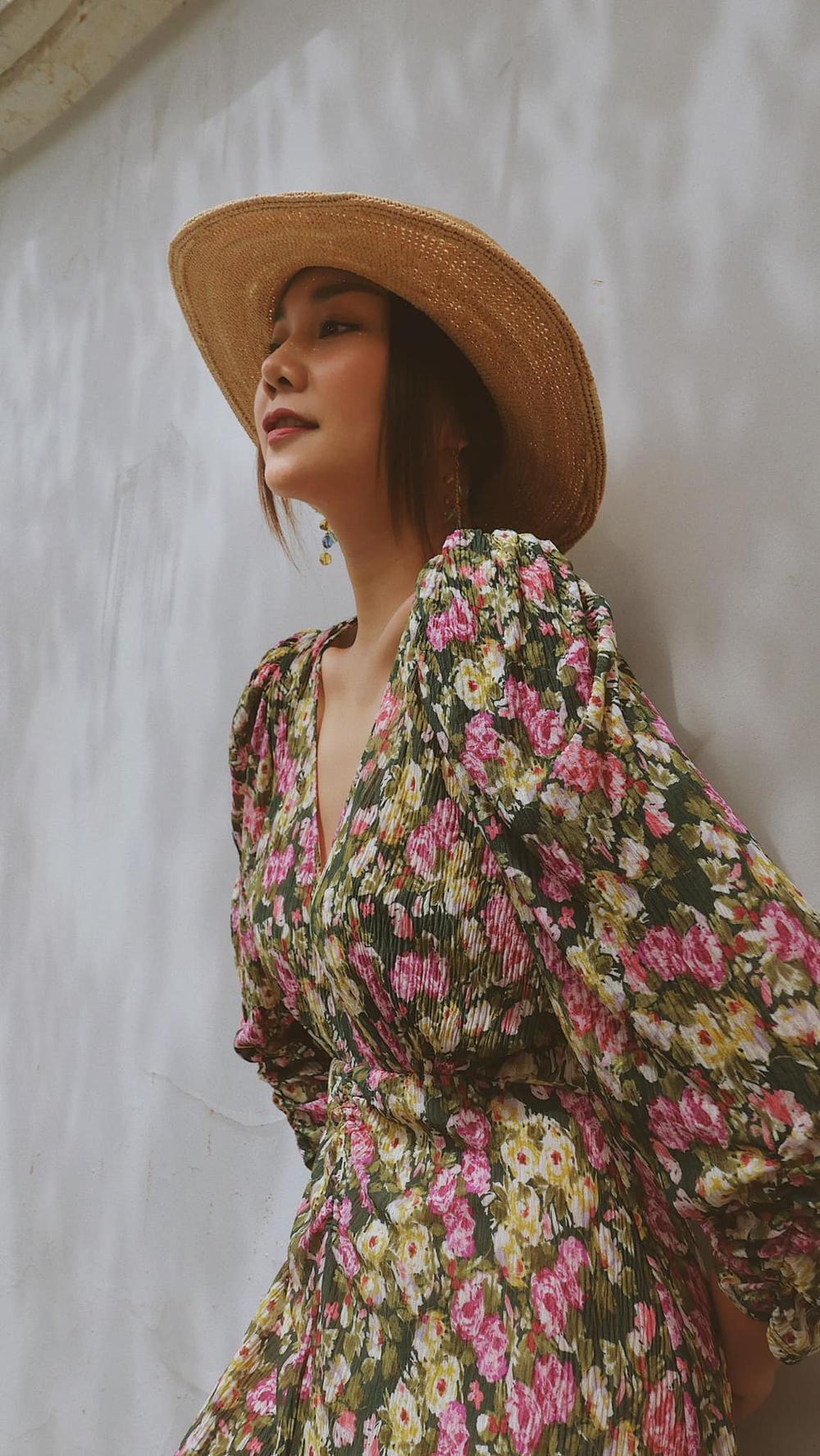 Cuốn hút mỗi ngày với váy áo hoa ngọt lịm như chị đẹp Thanh Hằng Ảnh 8