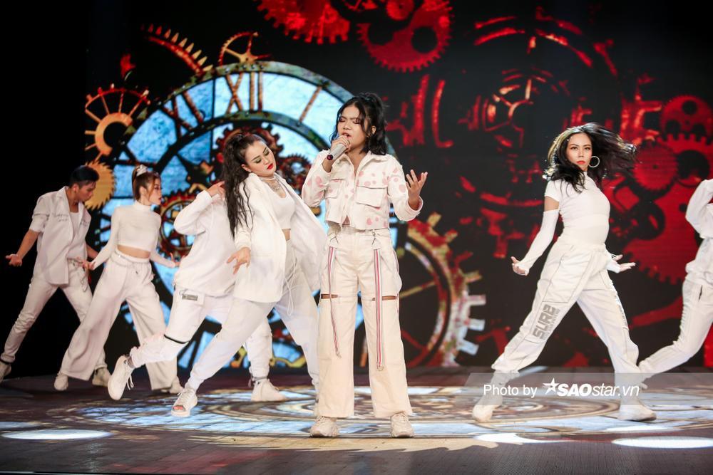 Chung kết GHVN New Generation: Thùy Trang trình diễn bùng nổ khiến Hồ Hoài Anh - Lưu Hương Giang tự hào Ảnh 10
