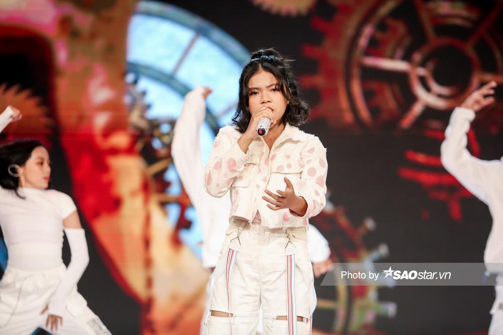 Chung kết GHVN New Generation: Thùy Trang trình diễn bùng nổ khiến Hồ Hoài Anh - Lưu Hương Giang tự hào Ảnh 5
