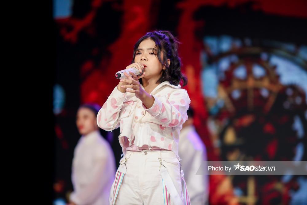 Chung kết GHVN New Generation: Thùy Trang trình diễn bùng nổ khiến Hồ Hoài Anh - Lưu Hương Giang tự hào Ảnh 3