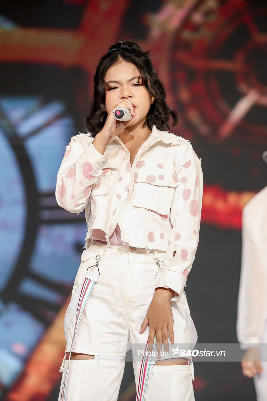 Chung kết GHVN New Generation: Thùy Trang trình diễn bùng nổ khiến Hồ Hoài Anh - Lưu Hương Giang tự hào Ảnh 1