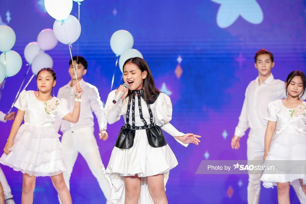 Hà Anh dạt dào cảm xúc tại chung kết GHVN 2021 khiến Lưu Thiên Hương tâm đắc: 'Không còn gì để chê' Ảnh 8