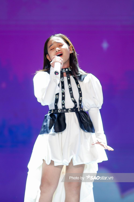 Hà Anh dạt dào cảm xúc tại chung kết GHVN 2021 khiến Lưu Thiên Hương tâm đắc: 'Không còn gì để chê' Ảnh 1