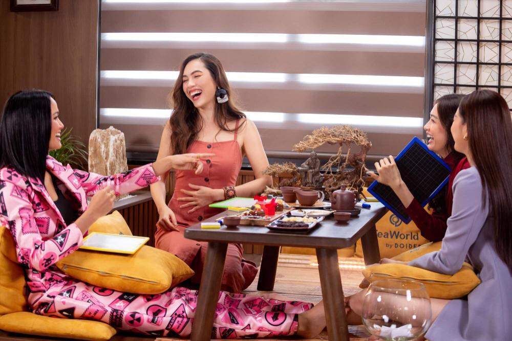 Hoàng My nhắc nhở Khánh Vân: Tuyệt đối không chen hàng, giành vị trí chụp hình khi thi Miss Universe Ảnh 2
