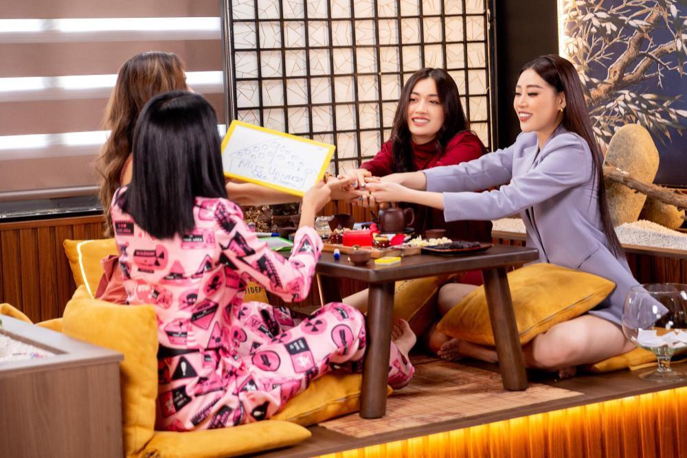 Hoàng My nhắc nhở Khánh Vân: Tuyệt đối không chen hàng, giành vị trí chụp hình khi thi Miss Universe Ảnh 1