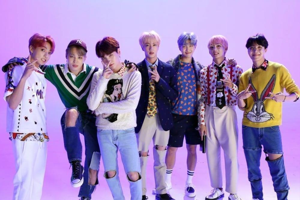 Không chịu thua BlackPink, BTS cũng 'lật đật' rinh thành tích Youtube khủng với 'IDOL' Ảnh 2