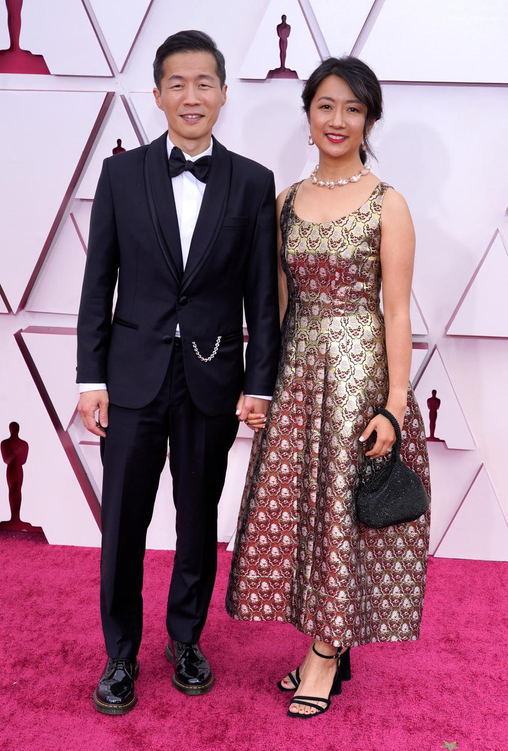 Thảm đỏ Oscar 2021: Lóa mắt với những bộ đầm lộng lẫy của dàn sao Hollywood đình đám Ảnh 3