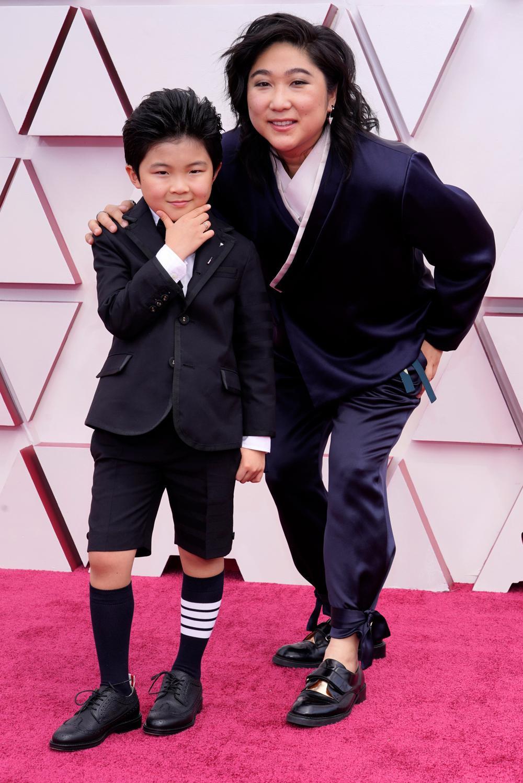 Thảm đỏ Oscar 2021: Lóa mắt với những bộ đầm lộng lẫy của dàn sao Hollywood đình đám Ảnh 5