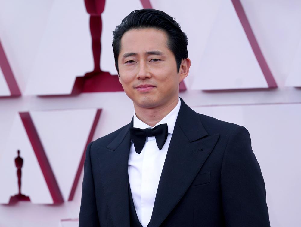 Thảm đỏ Oscar 2021: Lóa mắt với những bộ đầm lộng lẫy của dàn sao Hollywood đình đám Ảnh 4