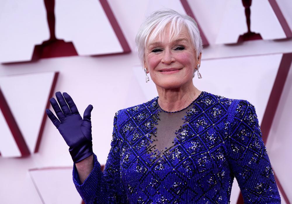 Thảm đỏ Oscar 2021: Lóa mắt với những bộ đầm lộng lẫy của dàn sao Hollywood đình đám Ảnh 8