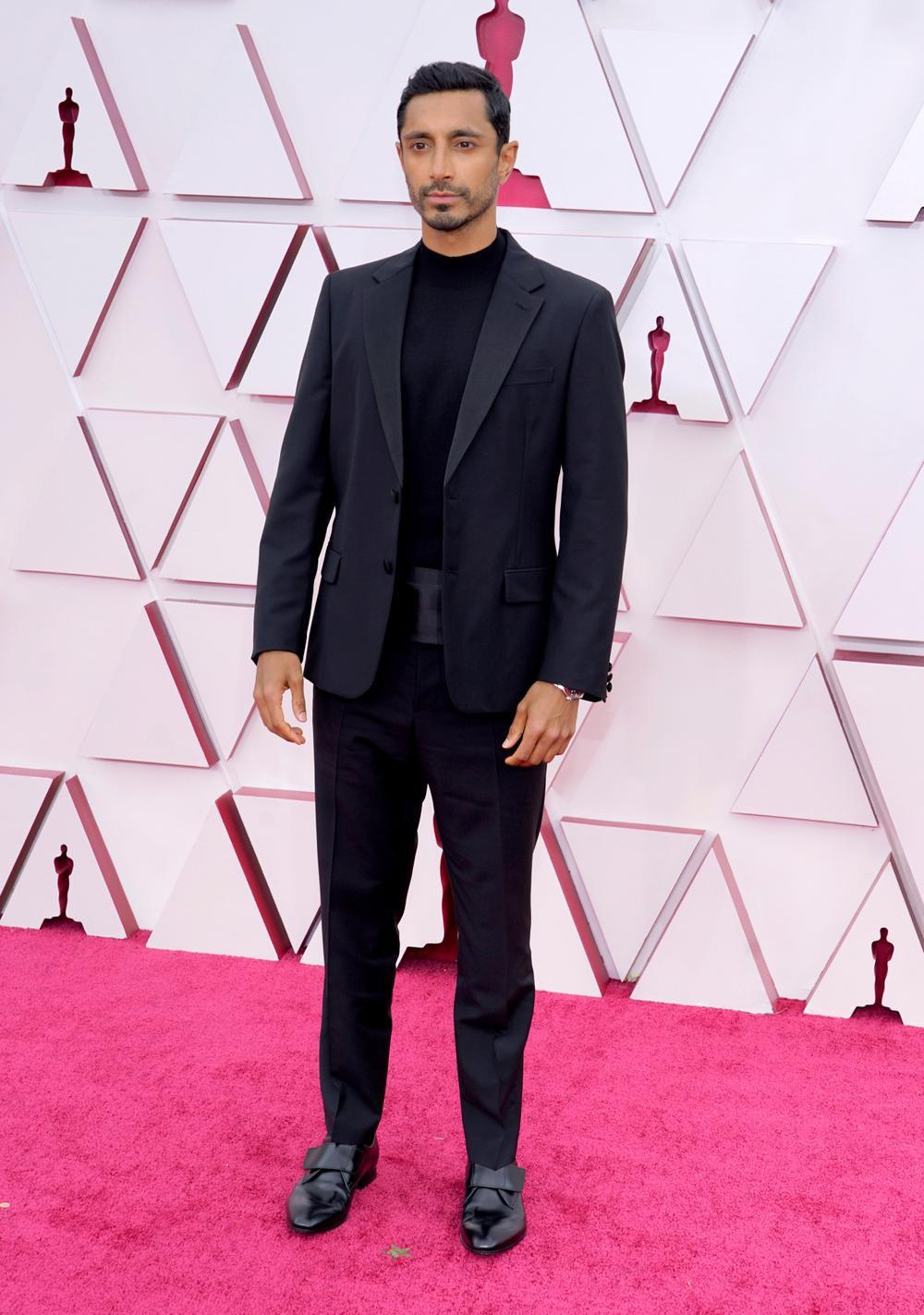 Thảm đỏ Oscar 2021: Lóa mắt với những bộ đầm lộng lẫy của dàn sao Hollywood đình đám Ảnh 13