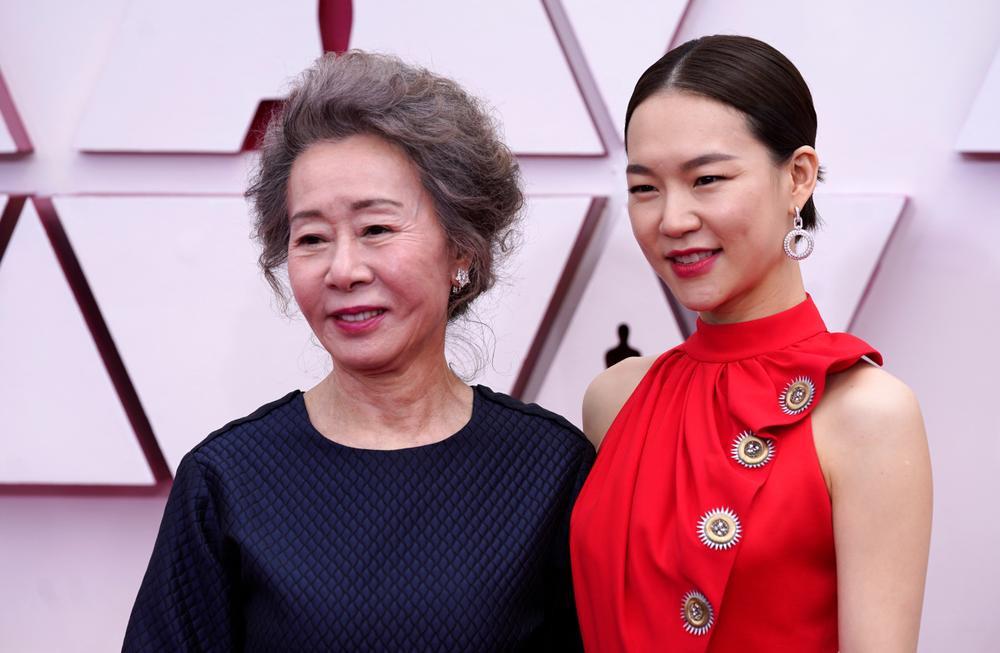 Thảm đỏ Oscar 2021: Lóa mắt với những bộ đầm lộng lẫy của dàn sao Hollywood đình đám Ảnh 1
