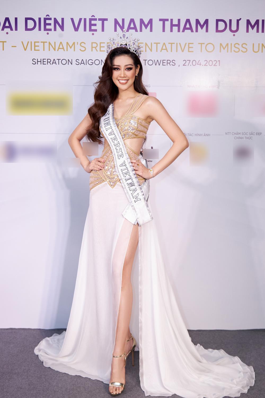 H'Hen Niê - Hoàng Thùy - Thúy Vân - Kim Duyên rạng rỡ đến cổ vũ Khánh Vân chinh chiến Miss Universe 2020 Ảnh 4