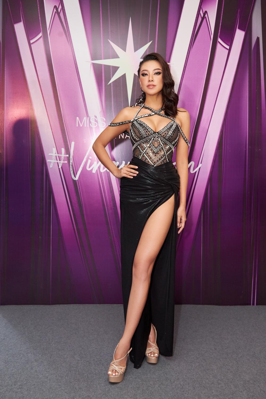 H'Hen Niê - Hoàng Thùy - Thúy Vân - Kim Duyên rạng rỡ đến cổ vũ Khánh Vân chinh chiến Miss Universe 2020 Ảnh 6