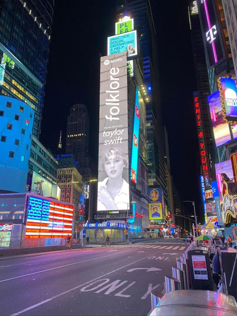 Bích Phương khiến fan tự hào khi xuất hiện trên biển quảng cáo tại Quảng trường Thời đại danh giá Ảnh 6