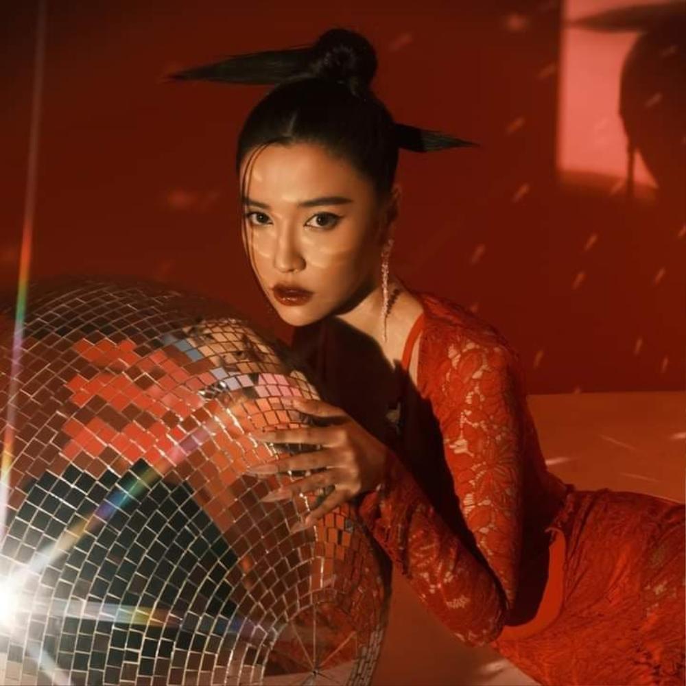 Bích Phương khiến fan tự hào khi xuất hiện trên biển quảng cáo tại Quảng trường Thời đại danh giá Ảnh 4