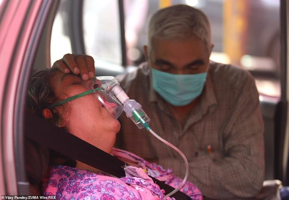 Cô gái bị cưỡng hiếp tập thể sau lời dụ dỗ về liều vaccine giữa 'bão' Covid-19 hoành hành ở Ấn Độ Ảnh 1