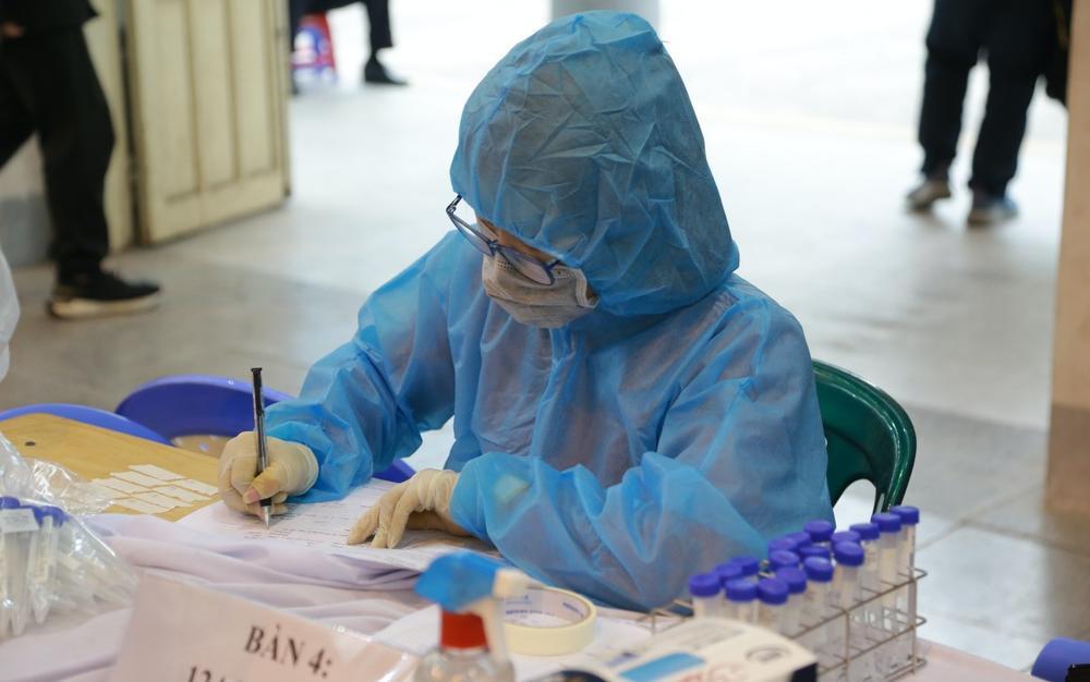 Bắc Giang ra thông báo khẩn truy tìm F1 của chuyên gia Trung Quốc dương tính với SARS-CoV-2 Ảnh 1