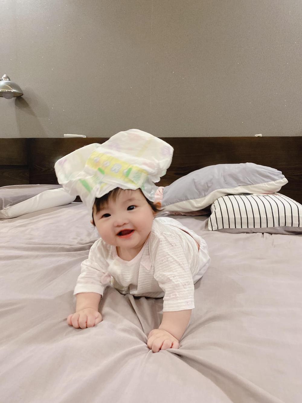 Con gái Đông Nhi càng lớn càng xinh, lấy hết gen đẹp tự nhiên từ bố mẹ Ảnh 5