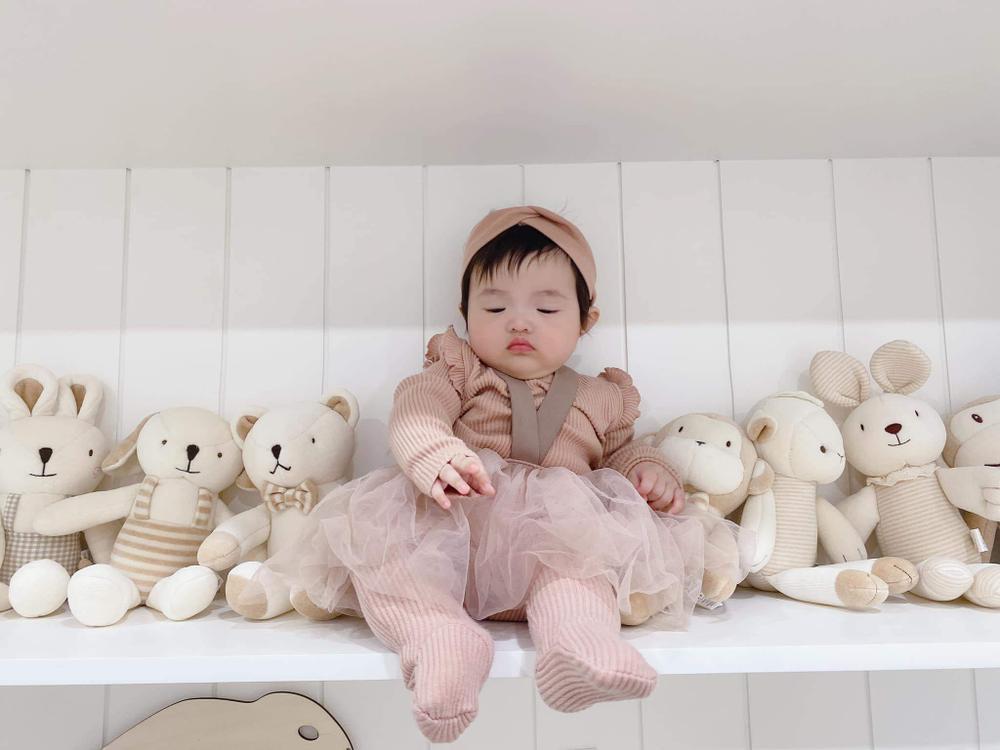 Con gái Đông Nhi càng lớn càng xinh, lấy hết gen đẹp tự nhiên từ bố mẹ Ảnh 4
