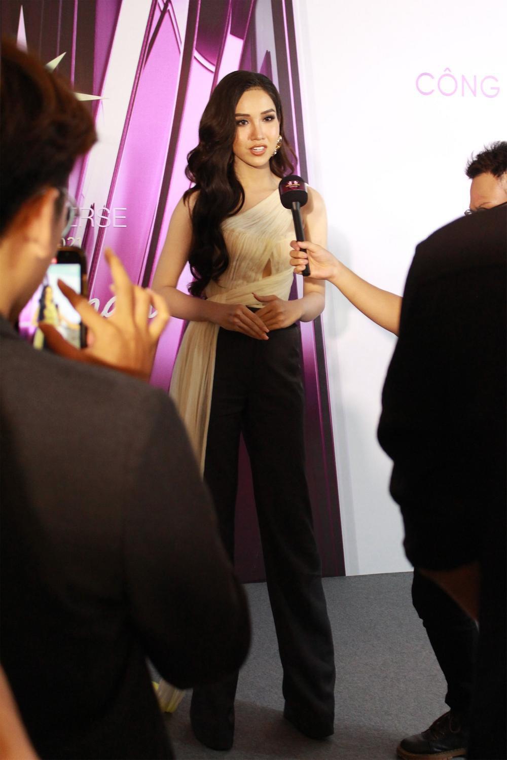 Người đẹp Chuyển giới Đỗ Nhật Hà đáp trả anti-fan khi bị gọi là 'chàng trai': 'Ăn nói cho cẩn thận vào' Ảnh 7