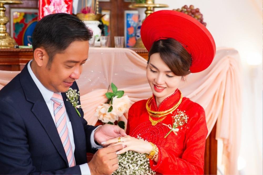 Nhan sắc xinh đẹp của vợ mới cưới diễn viên 'Cổng mặt trời' khiến dân tình xuýt xoa Ảnh 1