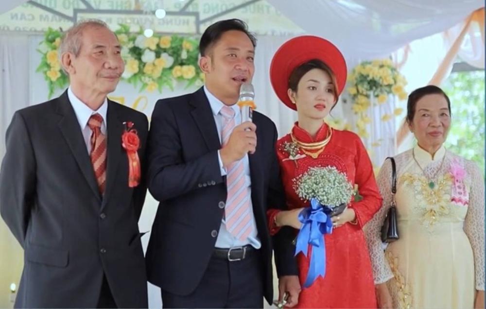 Nhan sắc xinh đẹp của vợ mới cưới diễn viên 'Cổng mặt trời' khiến dân tình xuýt xoa Ảnh 8