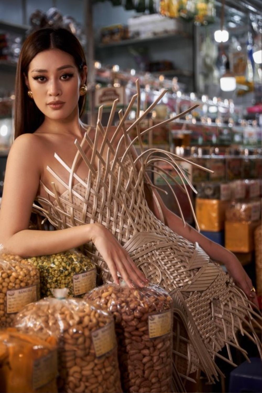 Thiết kế lấy cảm hứng 'Chợ Bến Thành' của Khánh Vân được fan khuyên thay thế National Costume Kén Em? Ảnh 3