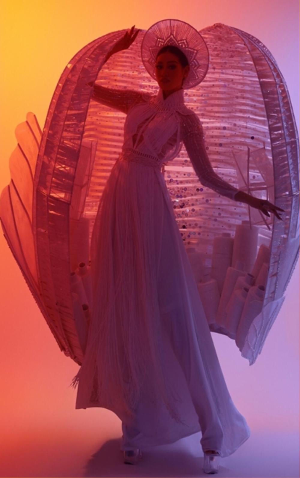 Thiết kế lấy cảm hứng 'Chợ Bến Thành' của Khánh Vân được fan khuyên thay thế National Costume Kén Em? Ảnh 7