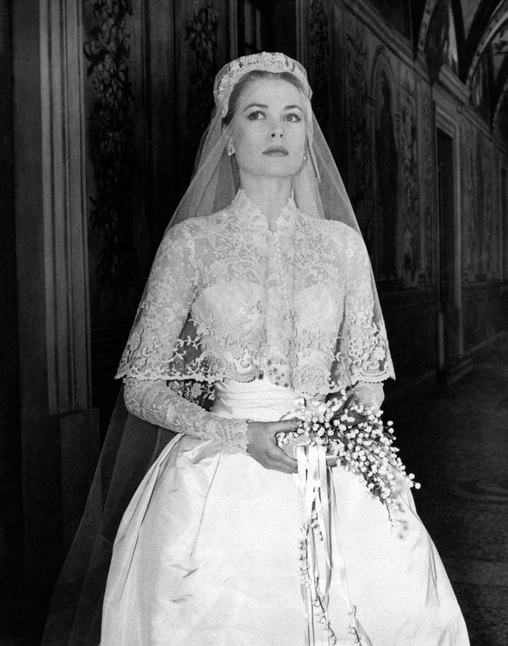 Bí ẩn tủ đồ Hoàng gia: Bóc giá 9 chiếc váy cưới Hoàng gia đắt đỏ nhất Ảnh 8