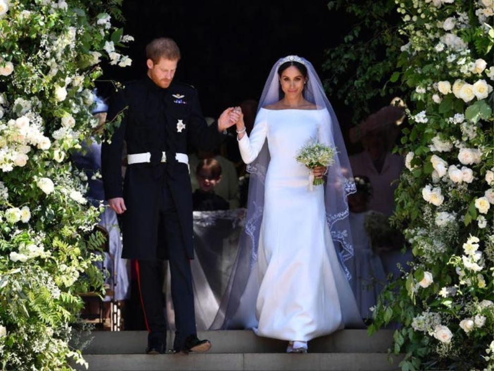 Bí ẩn tủ đồ Hoàng gia: Bóc giá 9 chiếc váy cưới Hoàng gia đắt đỏ nhất Ảnh 5