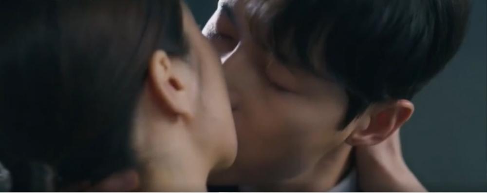'Vincenzo' tập cuối: Song Jong Ki rời xa Jeon Yeo Bin sau khi triệt hạ Babel Ảnh 59