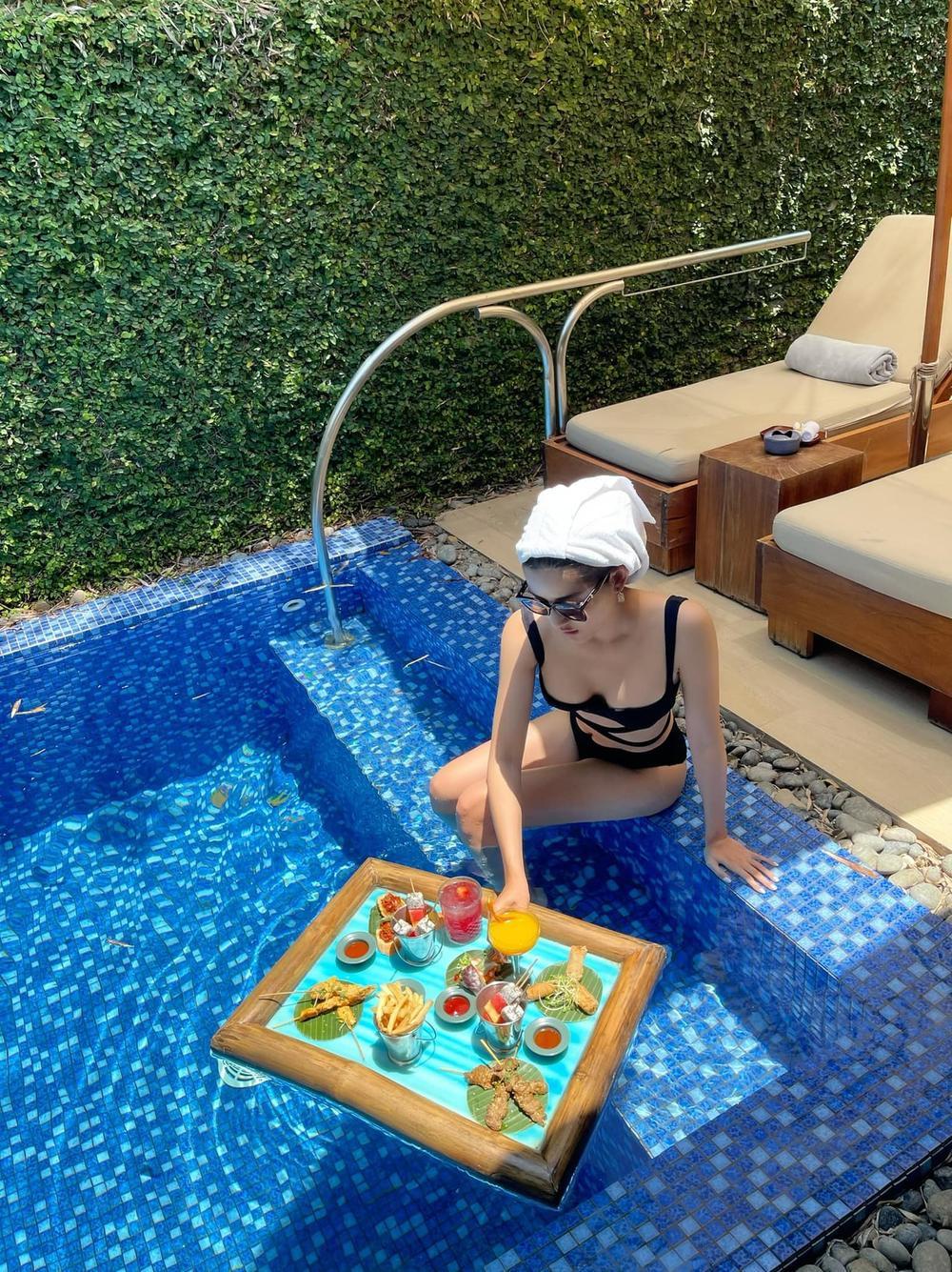 Á hậu Huyền My sang chảnh như 'quý cô thượng lưu' trong bikini đen khoe dáng nóng bỏng Ảnh 5