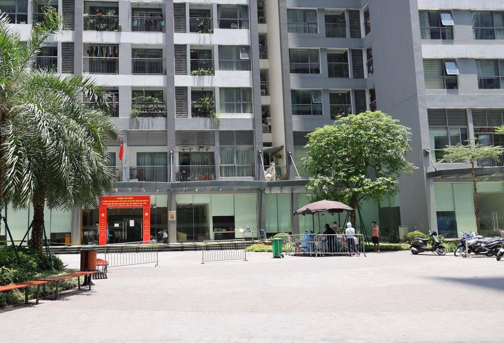 Hà Nội: Phong toả khẩn cấp tòa Park 10 KĐT Time City khi phát hiện ca nhiễm Covid-19 là người Ấn Độ Ảnh 1