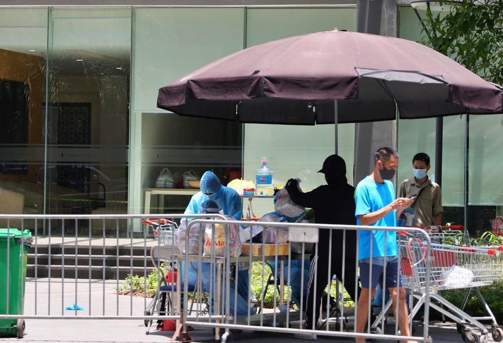 Hà Nội: Phong toả khẩn cấp tòa Park 10 KĐT Time City khi phát hiện ca nhiễm Covid-19 là người Ấn Độ Ảnh 3