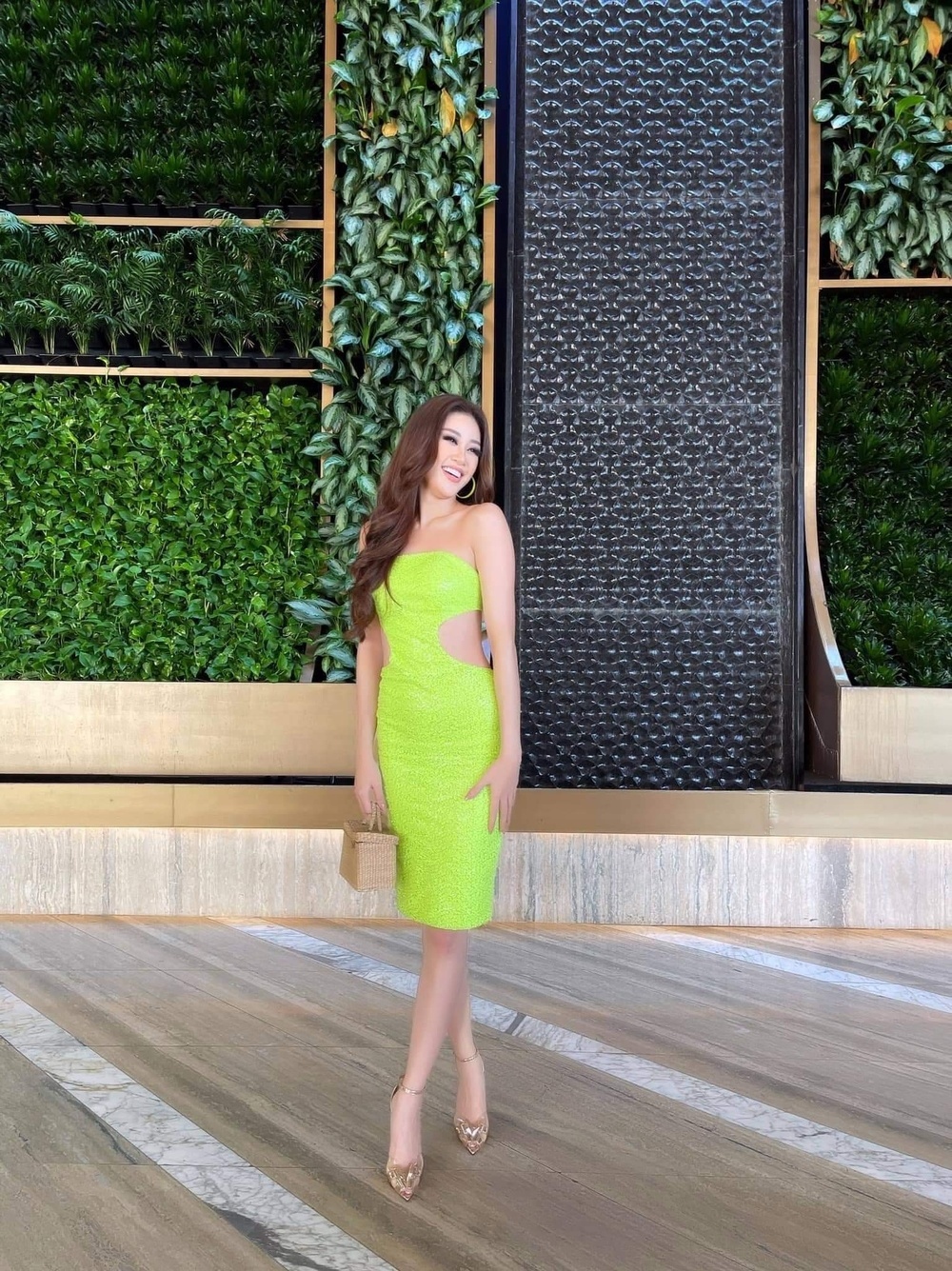 Khánh Vân khiến fan xót xa khi stylist tiết lộ bị giảm cân do hành trình sang Mỹ vất vả Ảnh 4