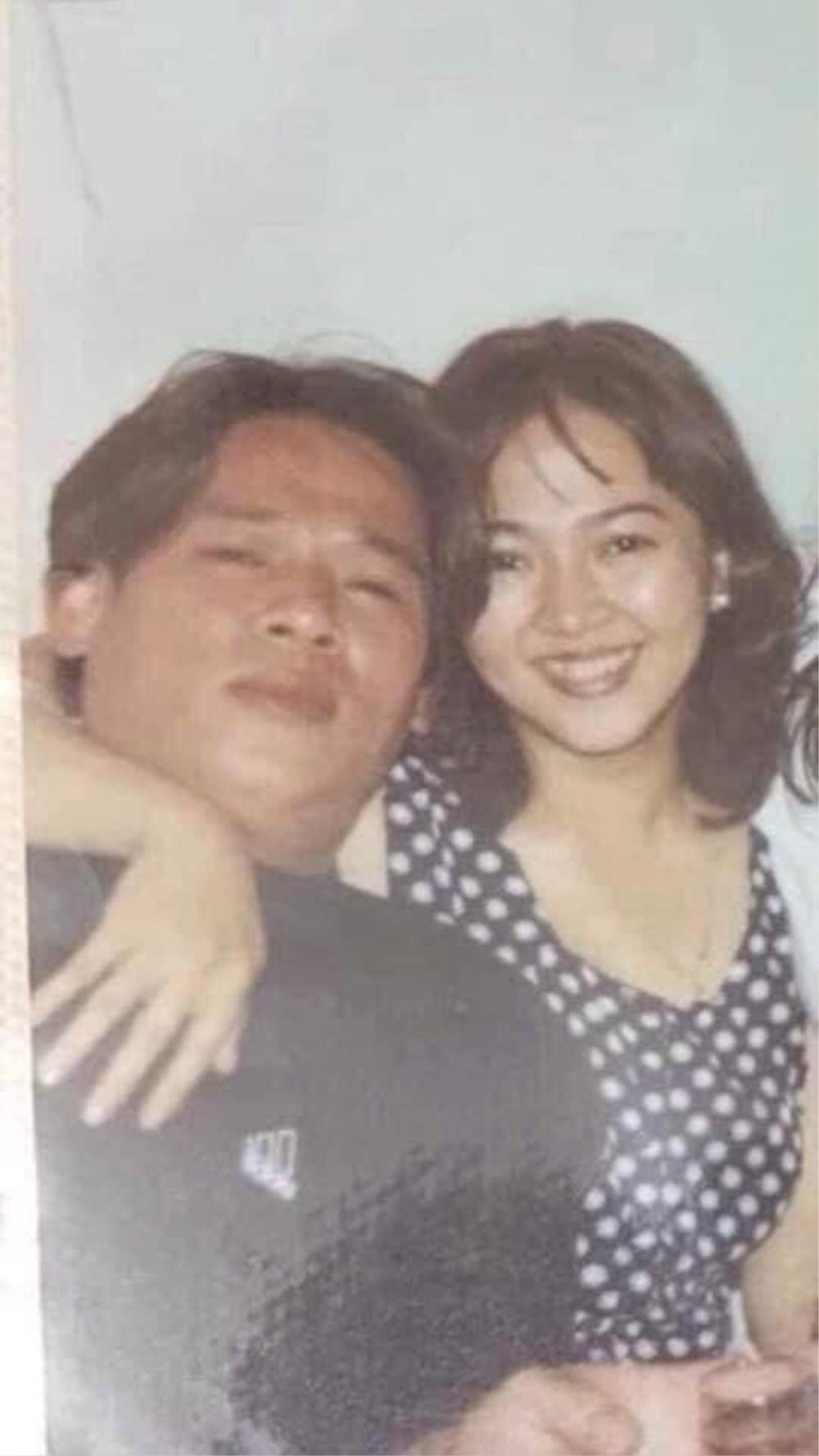Bà Nguyễn Phương Hằng bất ngờ bị ảnh bên người đàn ông lạ thời son trẻ khiến dân tình xôn xao Ảnh 1