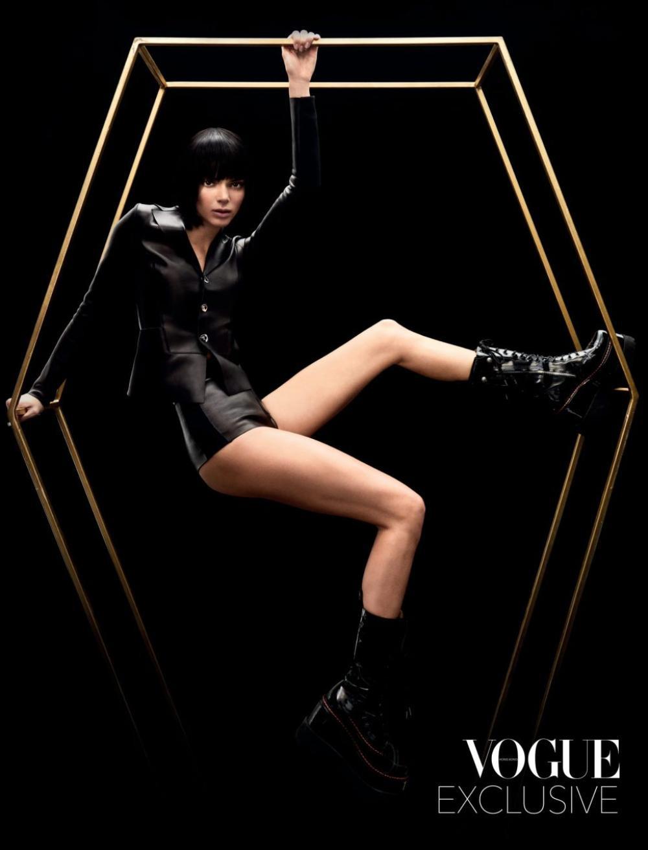 Thần thái chân dài triệu đô Kendall Jenner trên bìa Vogue Hong Kong gây tranh cãi Ảnh 7