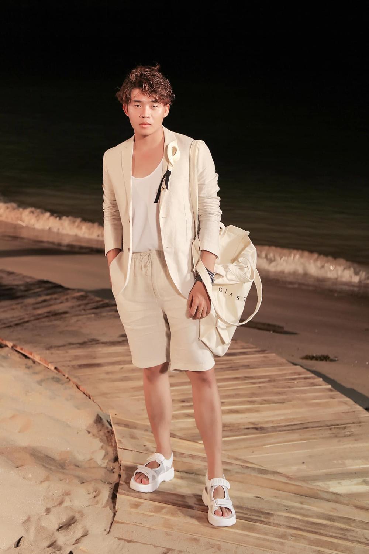 Stylist Trần Đạt: Không chỉ 'rắc muối' để Khánh Vân bùng nổ ngoạn mục tại MU mà còn vô vàn ẩn ý sâu xa Ảnh 2