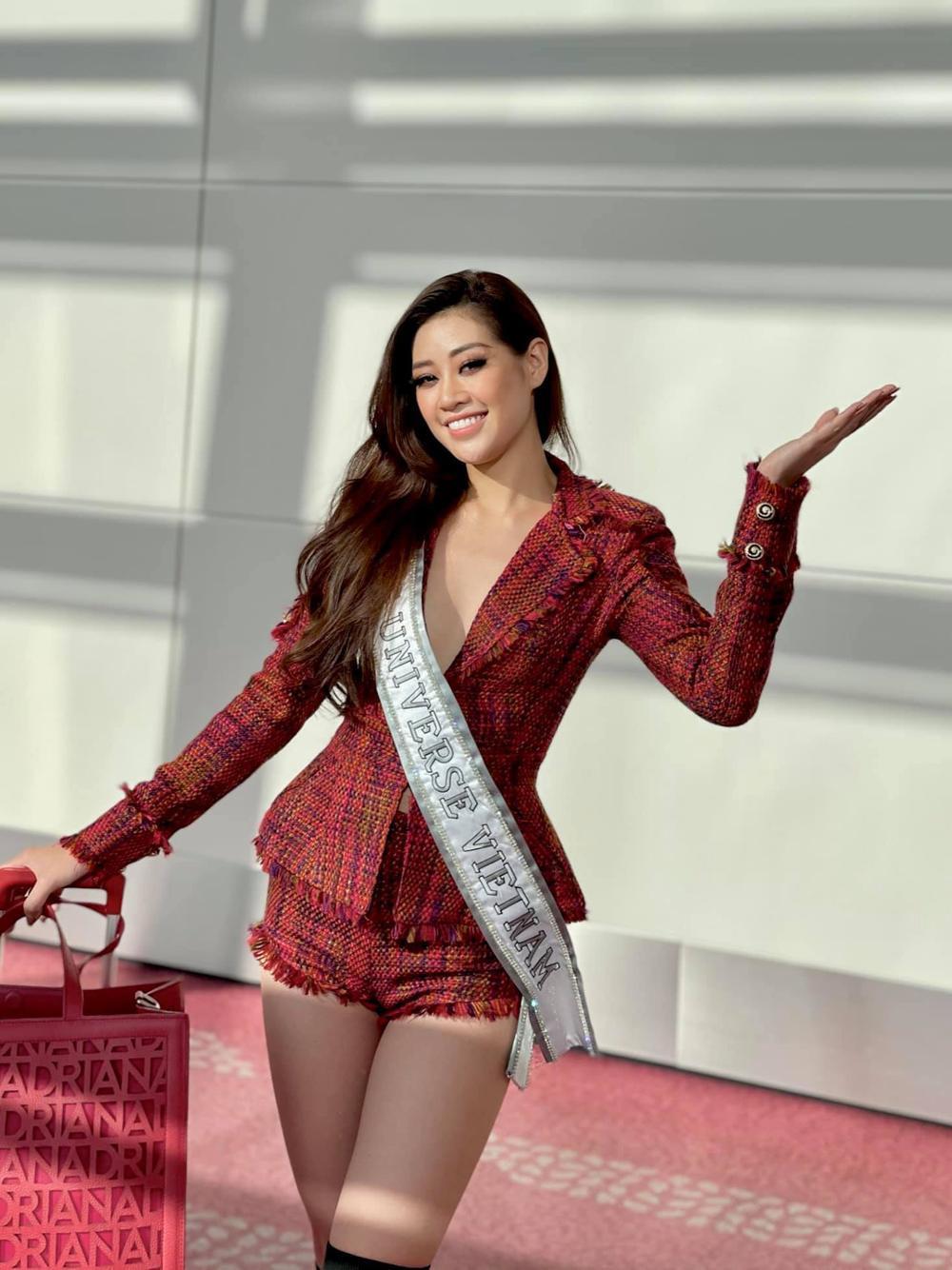 Đi ăn tối, Khánh Vân khiến fan lo lắng xuống phong độ khi mặc đầm tím 'sến' Ảnh 5