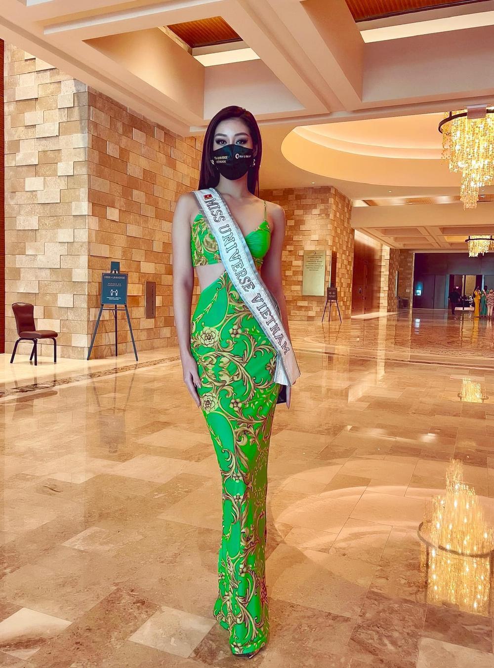 Khánh Vân mặc áo 5cm khoe body 0% mỡ thừa, đẳng cấp super model khiến fan nức nở Ảnh 10