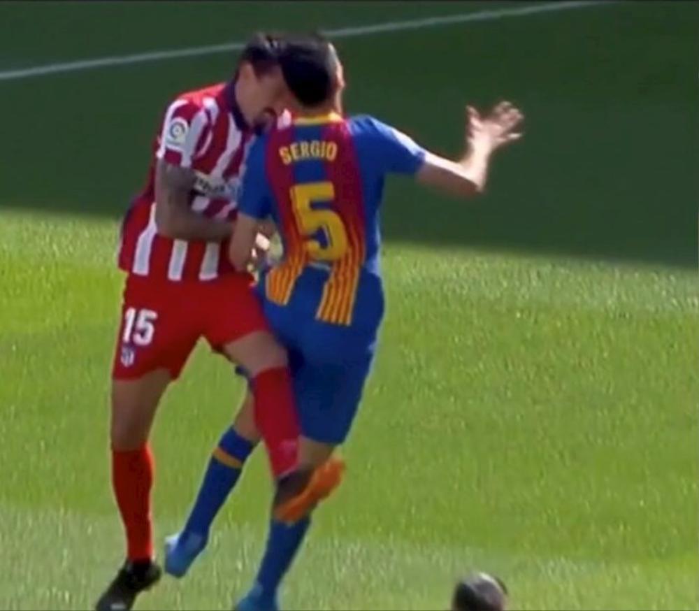 Busquets bị gãy xương hàm trong trận đại chiến Barca vs Atletico Ảnh 1