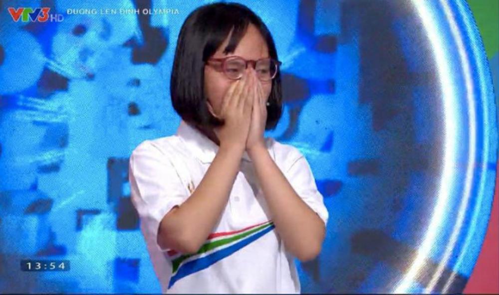 Nữ sinh Lâm Đồng 'lội ngược dòng' ngoạn mục, giành vòng nguyệt quế thuyết phục tại Olympia Ảnh 3