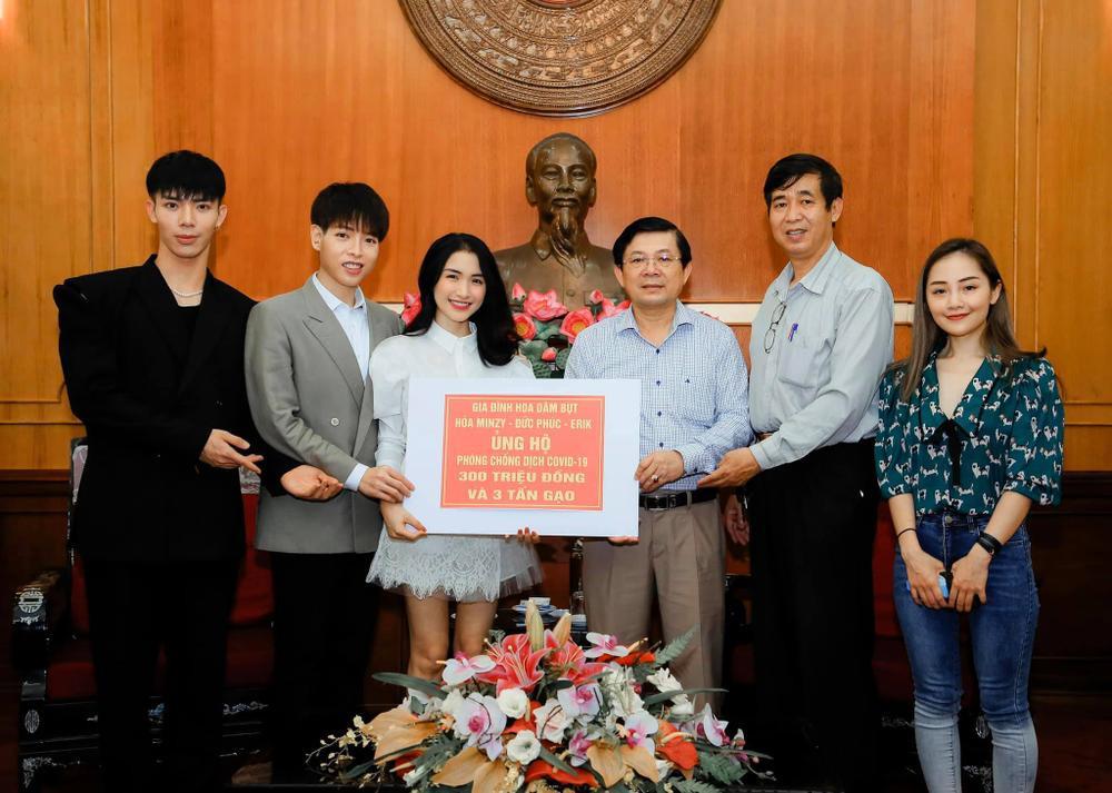 Hòa Minzy ủng hộ 100 triệu đồng cho quê nhà Bắc Ninh phòng chống dịch COVID - 19 Ảnh 3