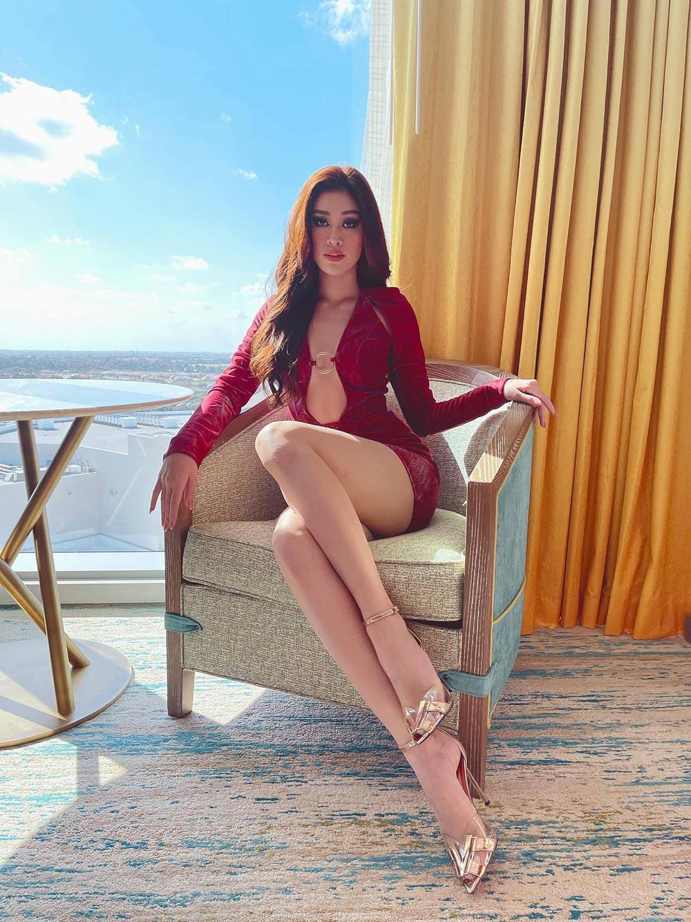 Hoa hậu Khánh Vân gây 'tê liệt' khi liên tục khoe rãnh bụng nét căng và vòng eo nổi múi Ảnh 9