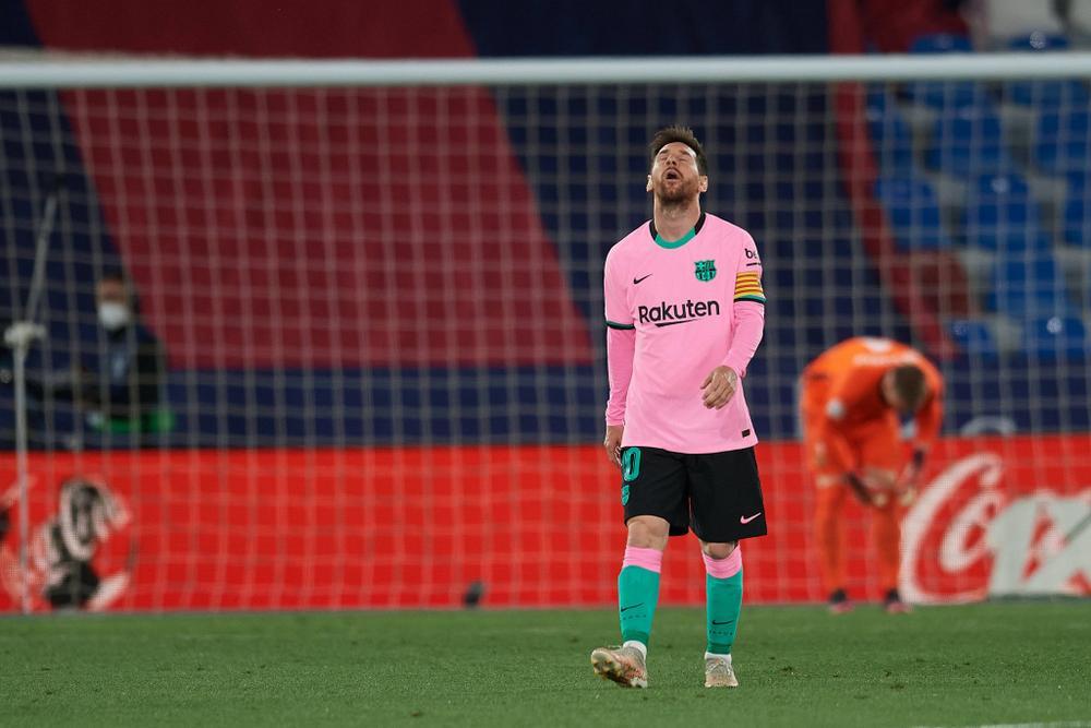 Messi ghi bàn, Barca vẫn tự bắn vào chân mình trong cuộc đua vô địch Ảnh 1