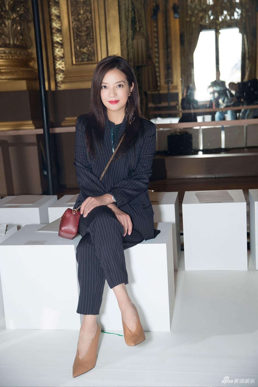 Con đường thời trang 'chông gai' của hai mỹ nhân bị phong sát Triệu Vy & Trịnh Sảng Ảnh 10