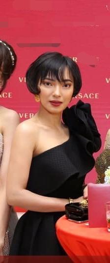 Gương mặt hốc hác của Châu Bùi gây chú ý mạnh khi xuất hiện cùng Tú Hảo, Chloe Nguyễn trong một khung hình ảnh 1
