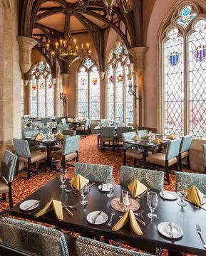 8 nhà hàng dù cạn ví nhưng các ông bố bà mẹ vẫn nhất quyết cho con cái ghé thăm khi tới Disney World ảnh 0