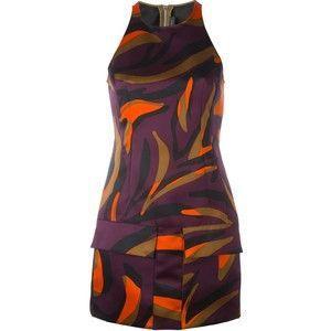 38 triệu là giá của chiếc váy đơn giản với họa tiết đặc biệt này.